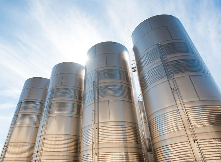 Резервуары для хранения и силосы