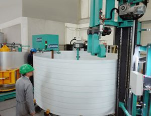 Faccin: green machine for the production of silos - vertical full plate